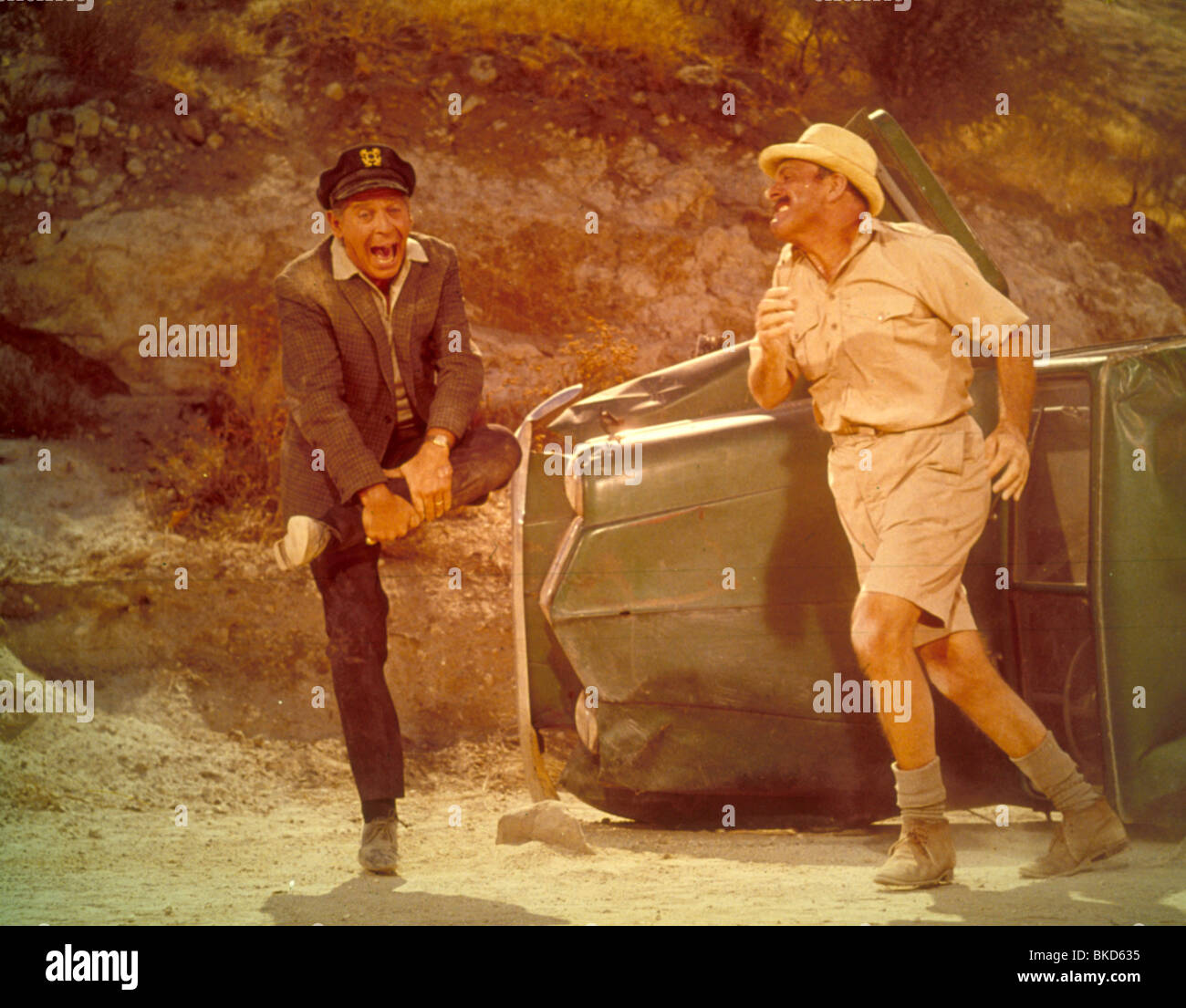 IT'S A MAD MAD MAD MAD WORLD (1963) MILTON BERLE, TERRY-THOMAS IMMW 023 - Stock Image