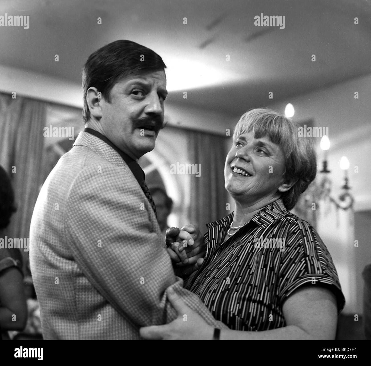 "Brenner, Hans, 25.1.1938 - 4.9.1998, Austrian actor, half length, with Ruth Drexel, scene from the TV movie ""Legen Stock Photo"