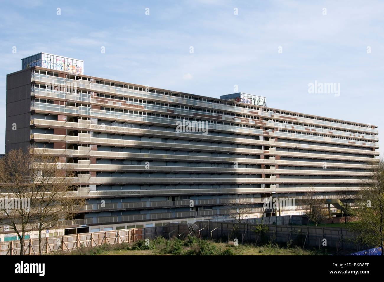 Empty flats at the Claydon Block of the Heygate Estate, Elephant and Castle, Walworth, South London - Stock Image