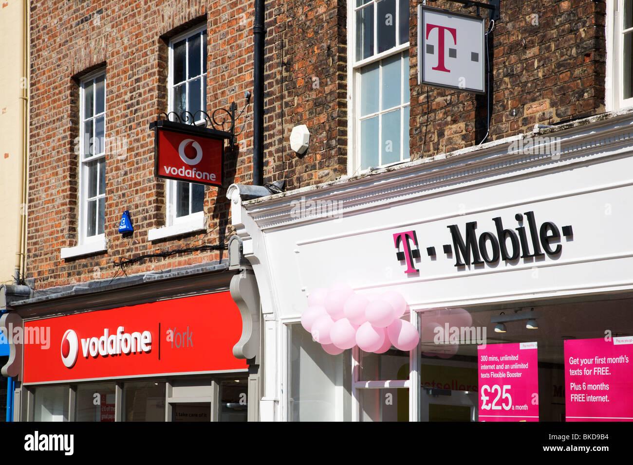 Mobile Phone Shops Stock Photos & Mobile Phone Shops Stock