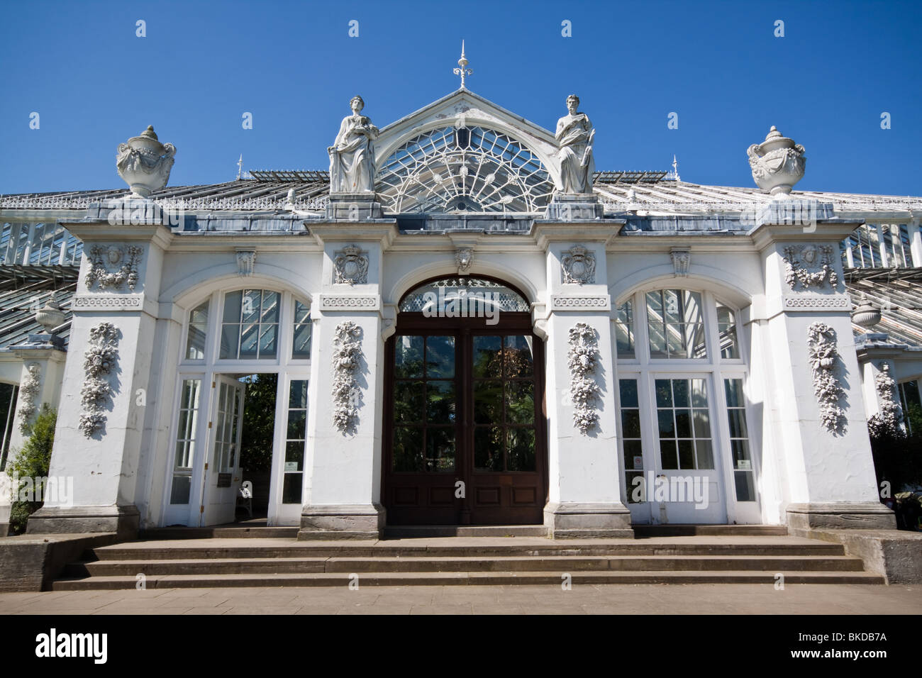 Entrance to the Temperate House Kew Gardens - Stock Image