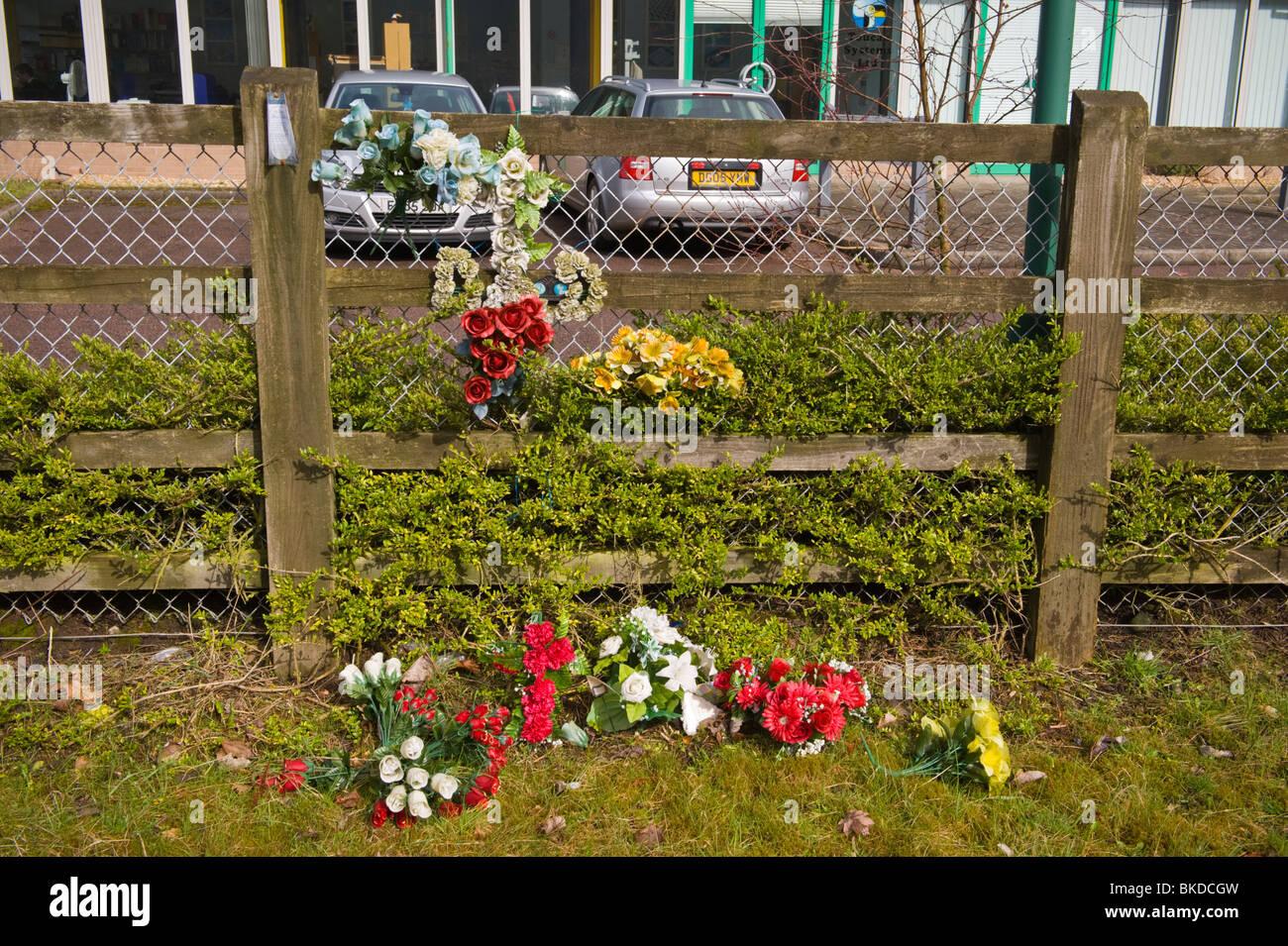 Roadside Memorial Stock Photos & Roadside Memorial Stock Images - Alamy