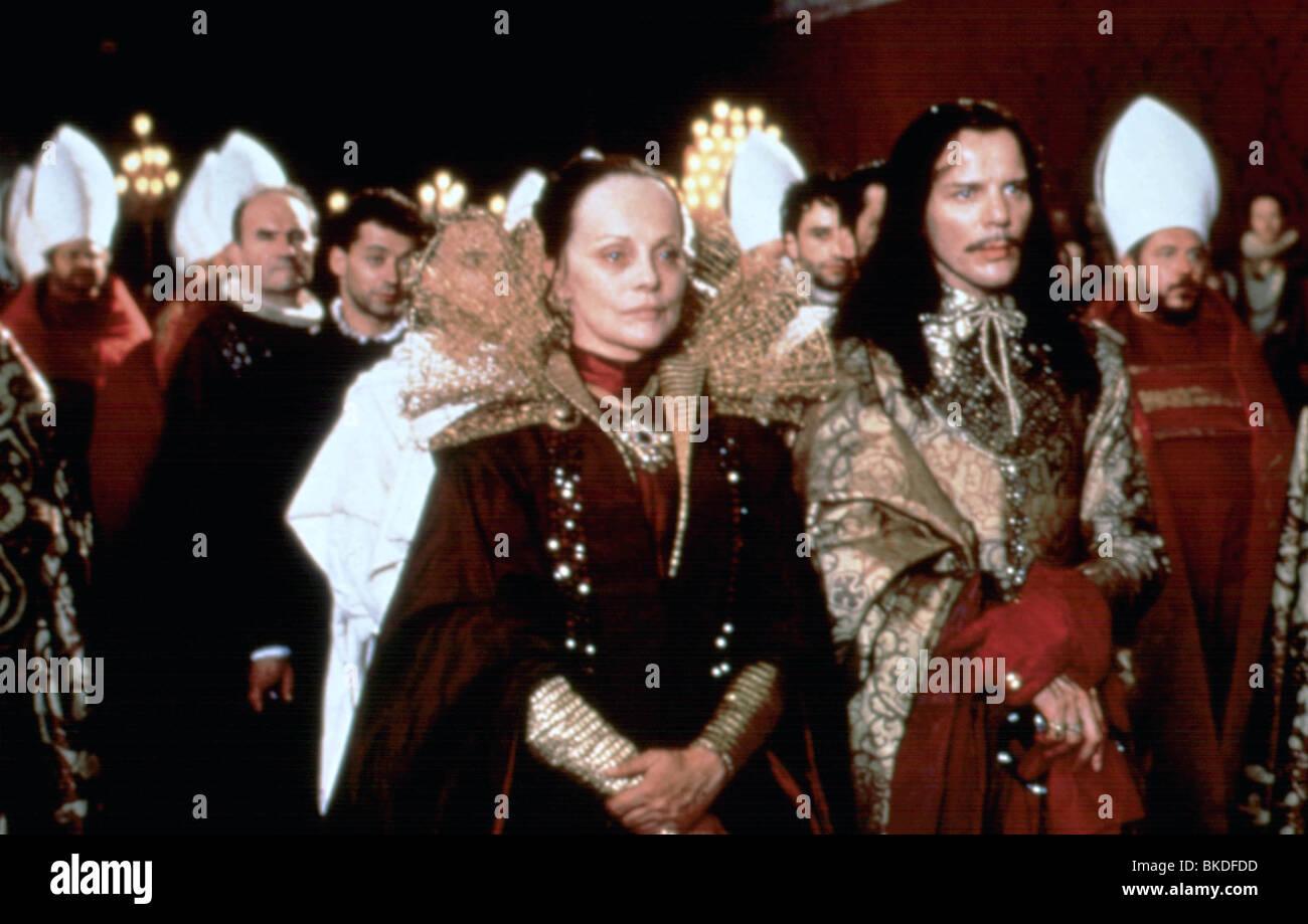 LA REINE MARGOT (1995) VIRNA LISI, PASCAL GREGORY REMA 025 Stock Photo