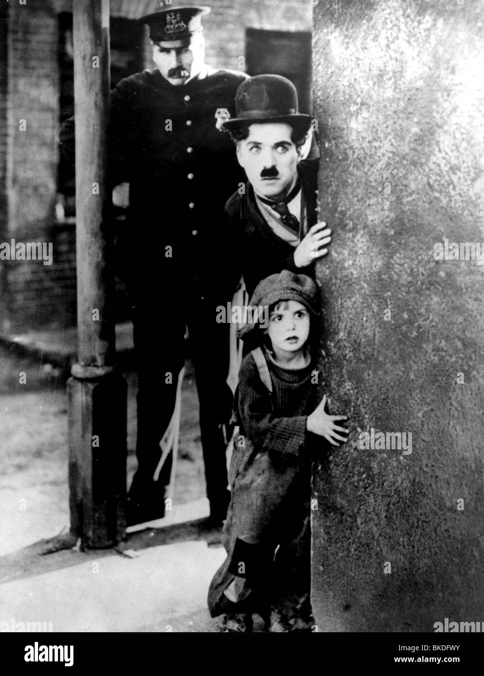 the kid charlie chaplin summary