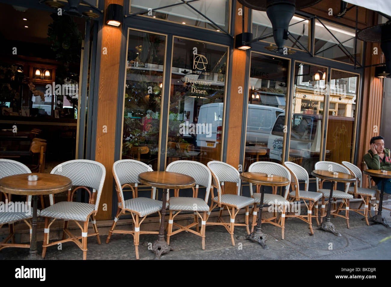 Excellent Outside Street Paris Bistro Cafe Tables Chairs Outside On Ibusinesslaw Wood Chair Design Ideas Ibusinesslaworg
