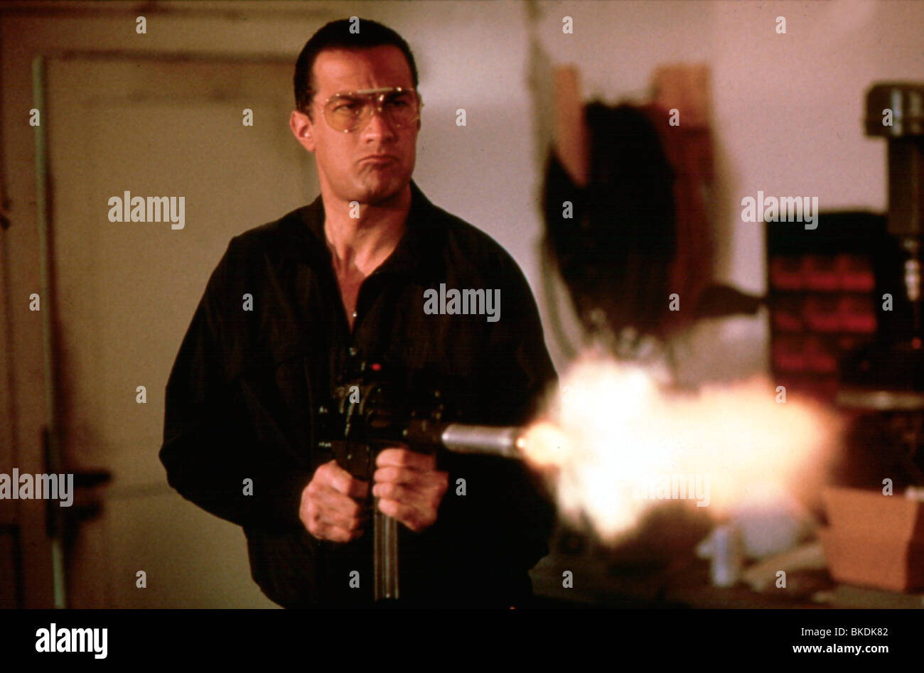 MARKED FOR DEATH (1990) STEVEN SEAGAL MFDH 013 - Stock Image