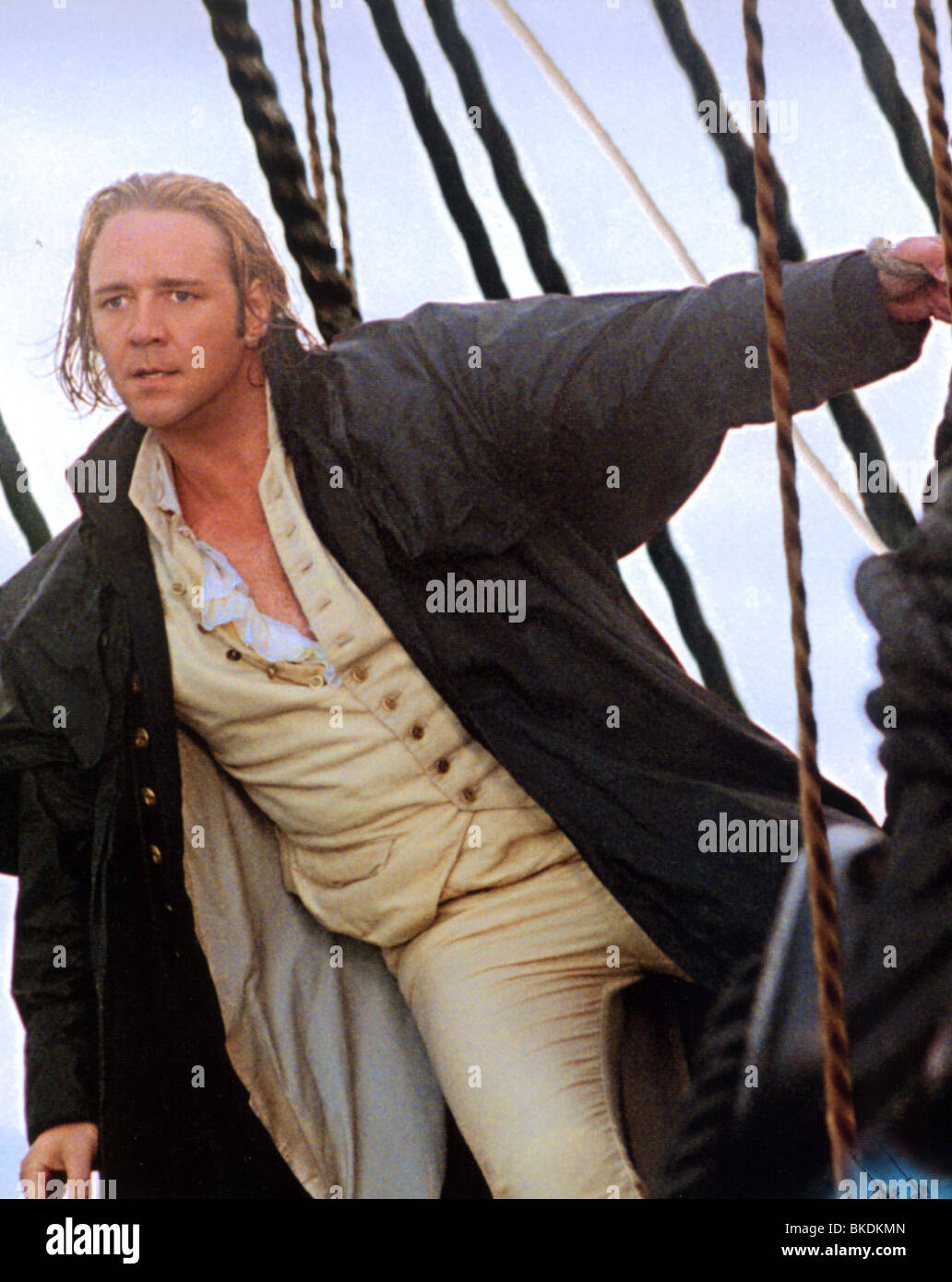 MASTER AND COMMANDER: THE FAR SIDE OF THE WORLD (2003) RUSSELL CROWE MACO 003FOH - Stock Image