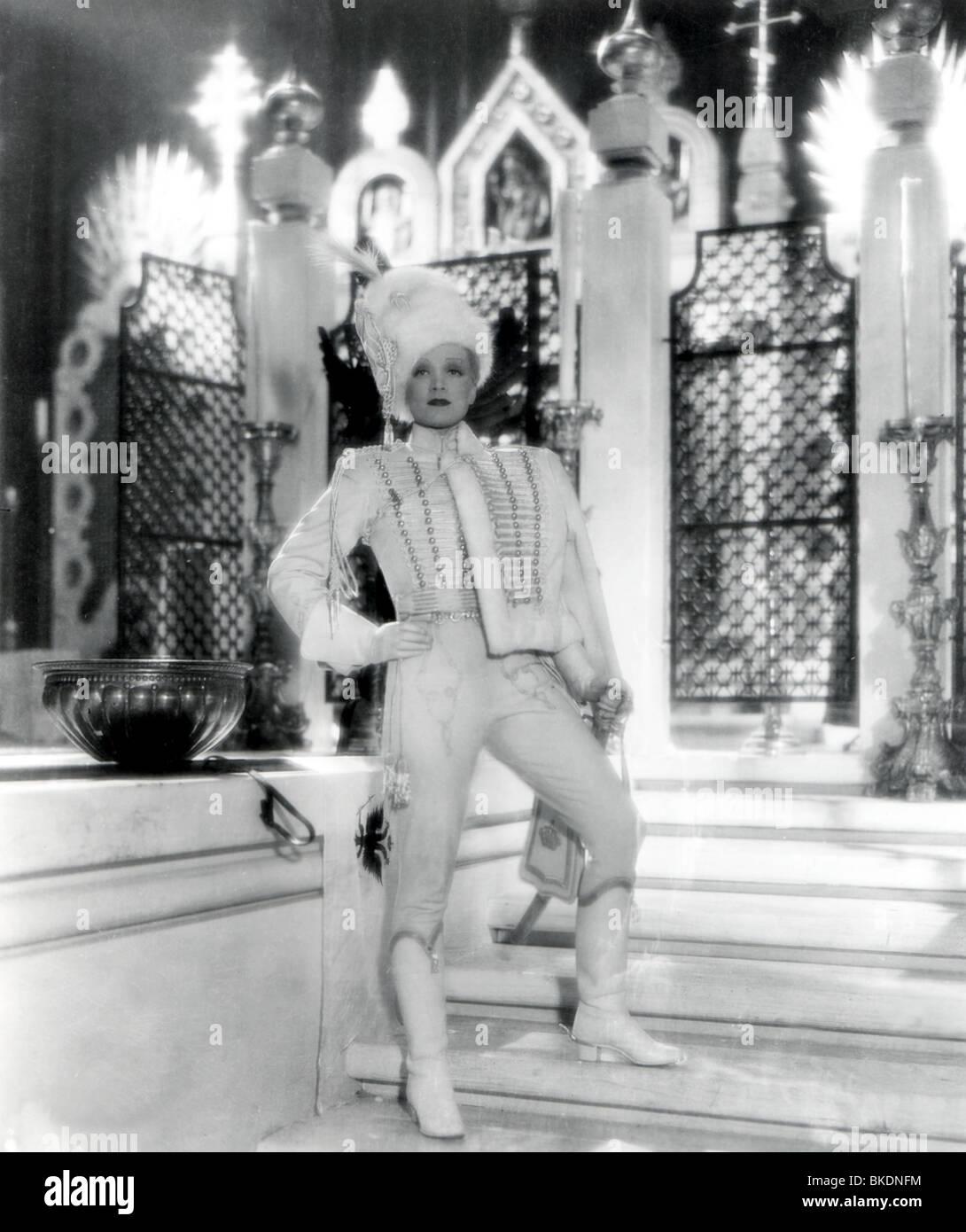 THE SCARLET EMPRESS (1934) MARLENE DIETRICH SCEP 003P - Stock Image