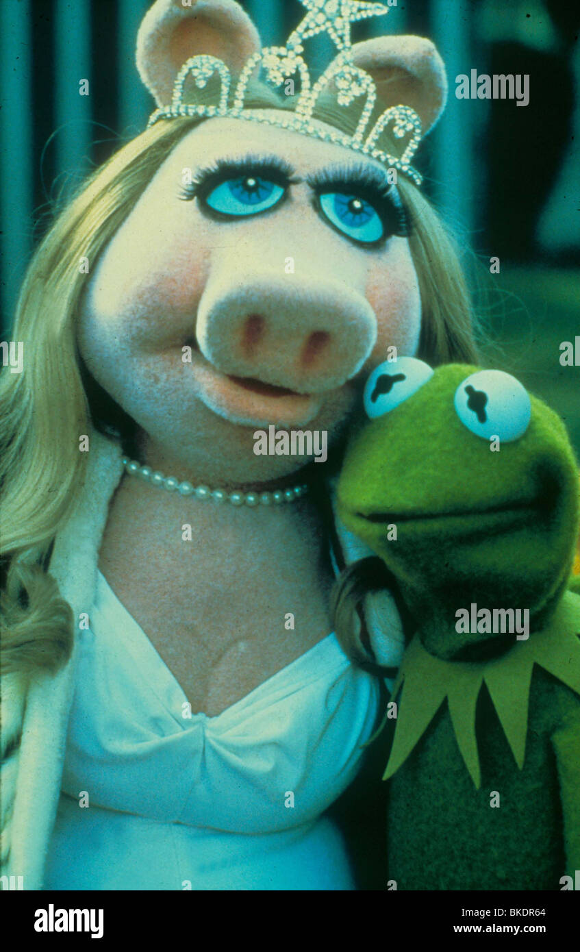 THE MUPPET MOVIE (1979) MISS PIGGY, KERMIT THE FROG MUPM 008