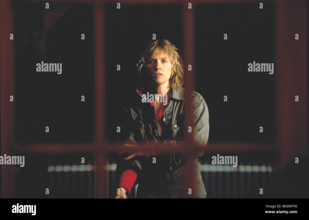 NOWHERE TO HIDE (1987) AMY MADIGAN NWTH 001 - Stock Image