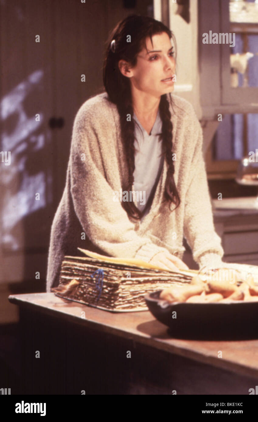 PRACTICAL MAGIC (1999) SANDRA BULLOCK PRMG 003 - Stock Image