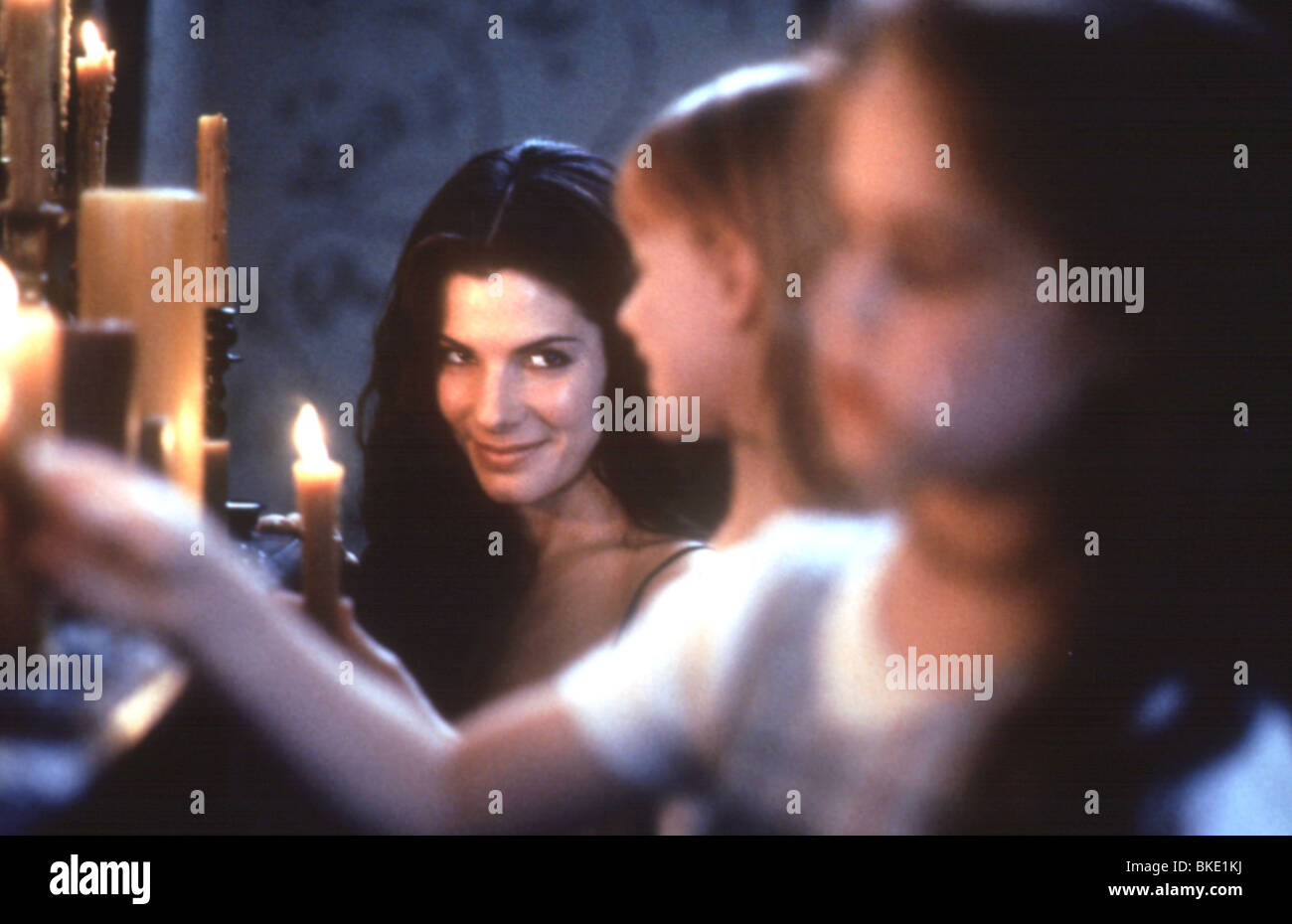 PRACTICAL MAGIC (1999) SANDRA BULLOCK PRMG 009 - Stock Image
