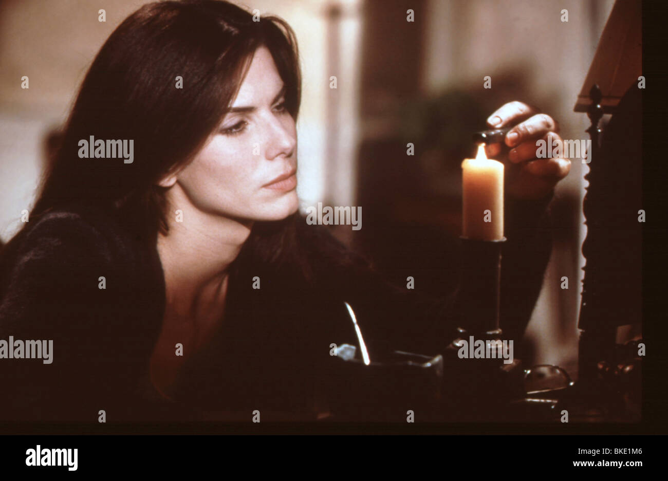 PRACTICAL MAGIC (1999) SANDRA BULLOCK PRMG 047 - Stock Image