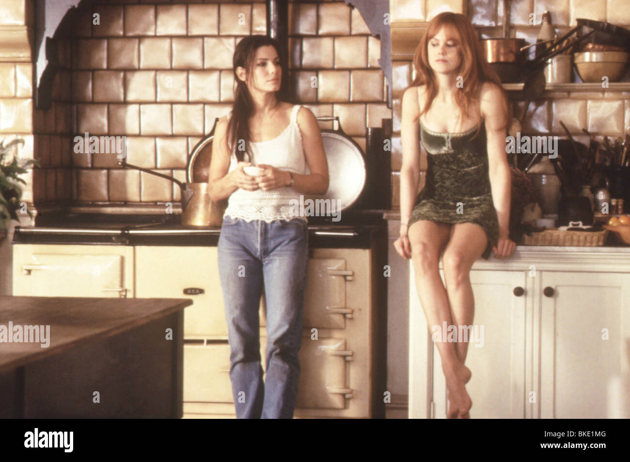 PRACTICAL MAGIC (1999) SANDRA BULLOCK, NICOLE KIDMAN PRMG 102 - Stock Image