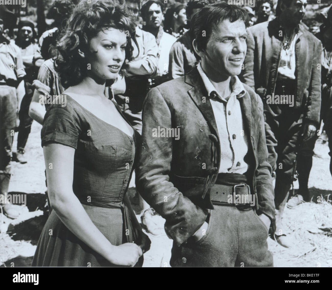 THE PRIDE AND THE PASSION (1957) SOPHIA LOREN, FRANK SINATRA PRPS 002P - Stock Image