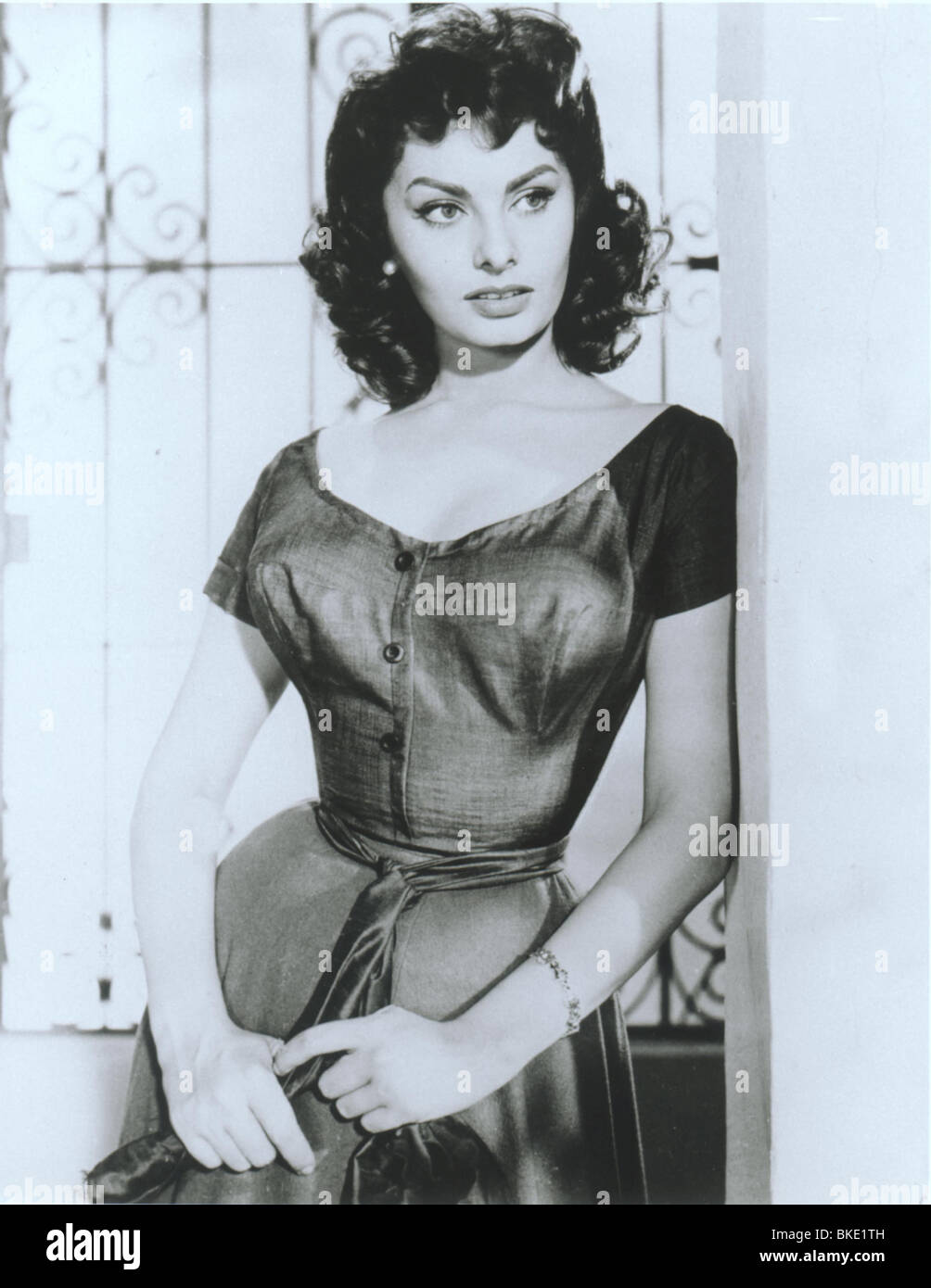 THE PRIDE AND THE PASSION (1957) SOPHIA LOREN PRPS 003P - Stock Image
