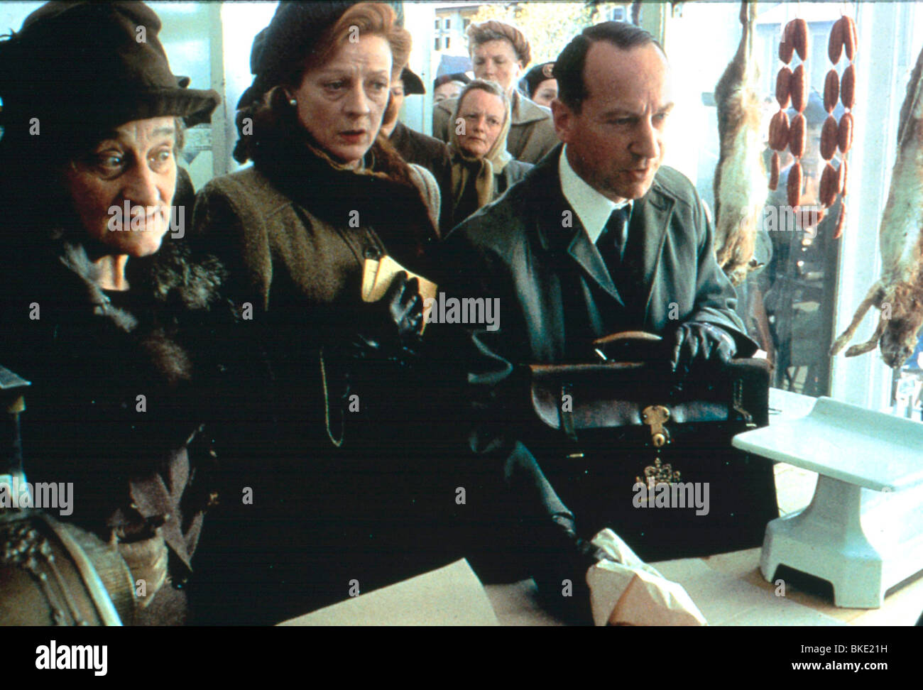 A PRIVATE FUNCTION (1984) LIZ SMITH, MAGGIE SMITH, BILL PATERSON PVF 041 - Stock Image