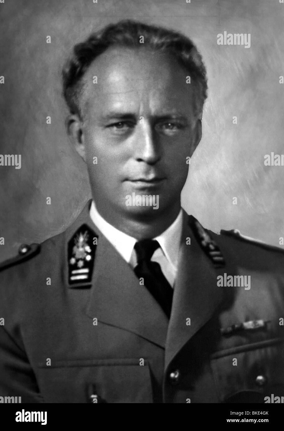 Leopold III, 3.11.1901 - 25.9.1983 King of Belgium 1934 - 1951, commander-in-chief of the Belgian army 1940, portrait Stock Photo