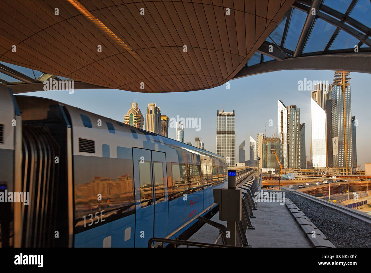 Downtown Dubai, new Metro line in front of Finance Center - Stock Image
