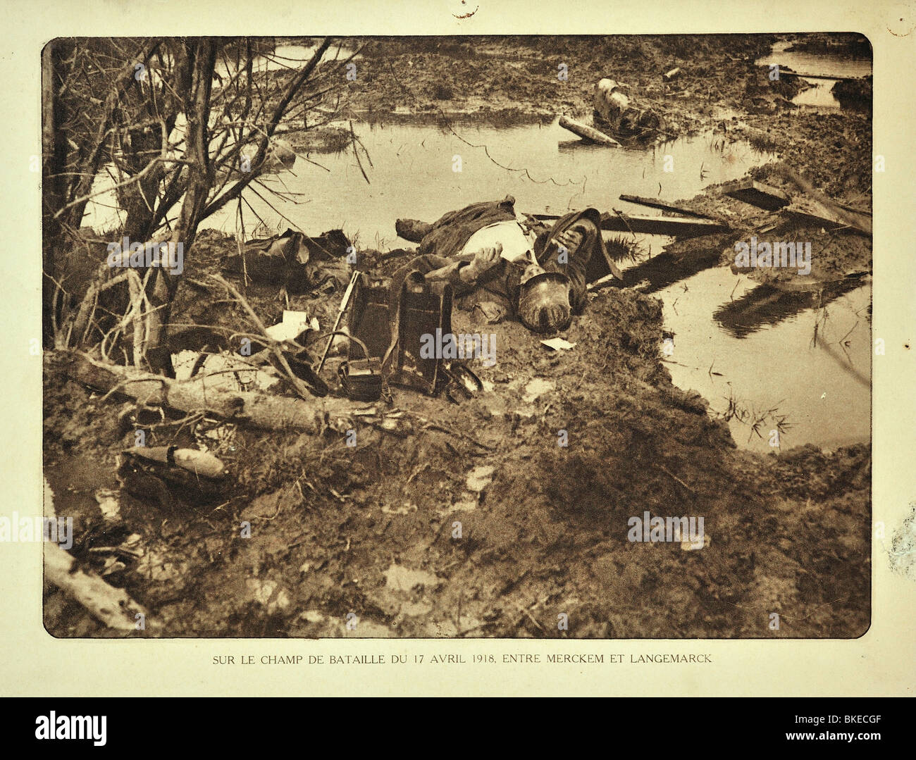 Corpse of dead WWI German soldier killed in action at battlefield at Merkem in West Flanders during First World - Stock Image