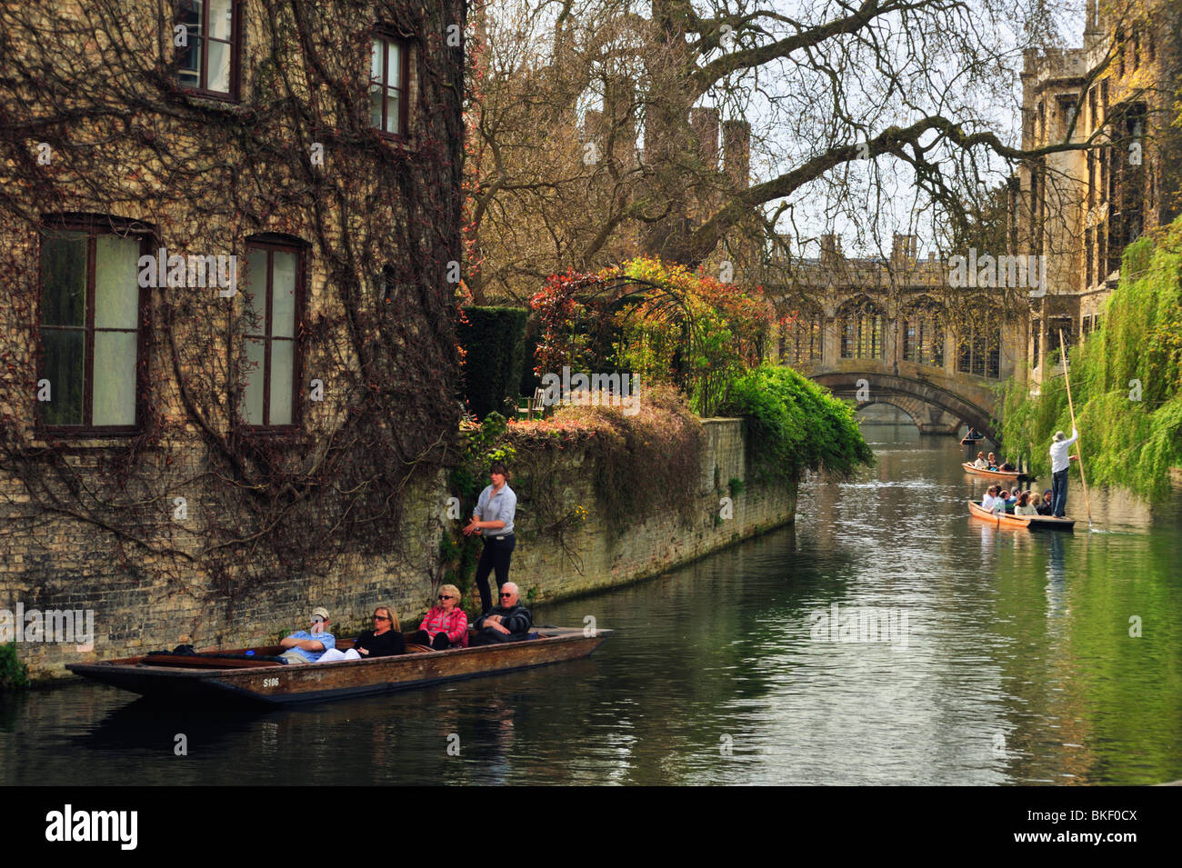 River Cam in front of the Bridge of Sighs, Cambridge.  Punts - Stock Image