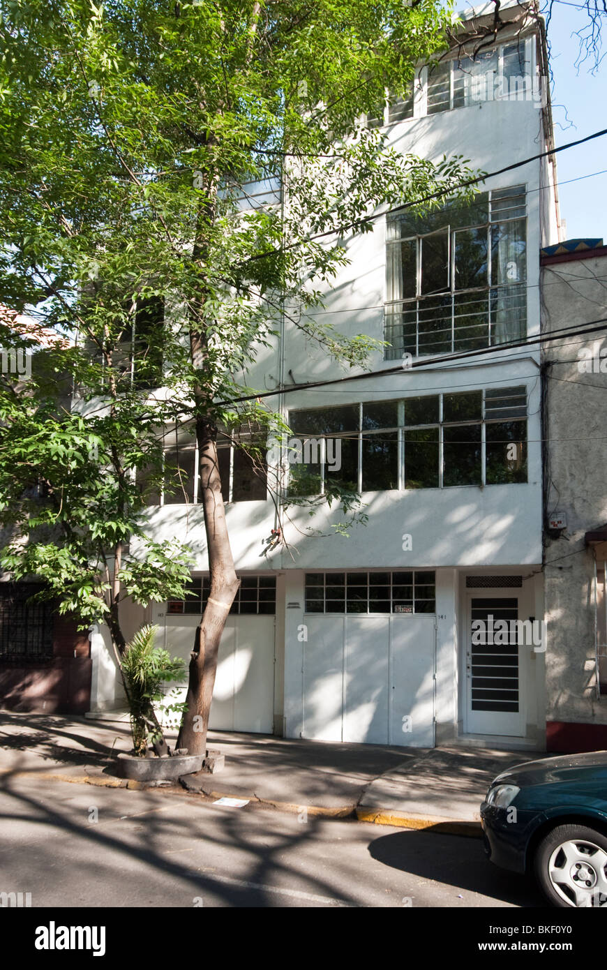 early Modernist duplex residential building by famous Mexican architect Luis Barragan in Condesa district Mexico - Stock Image