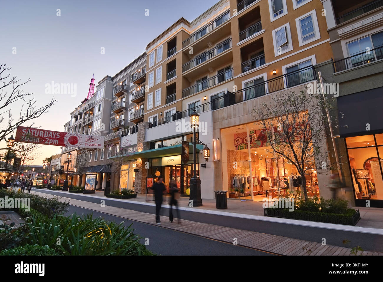 The Americana at Brand is located in Glendale, California and offers 80 stores - Scroll down for The Americana at Brand shopping information: store list (directory), locations, mall hours, contact and address. Address and locations: Americana Way, Suite , Glendale, California - CA /5(6).