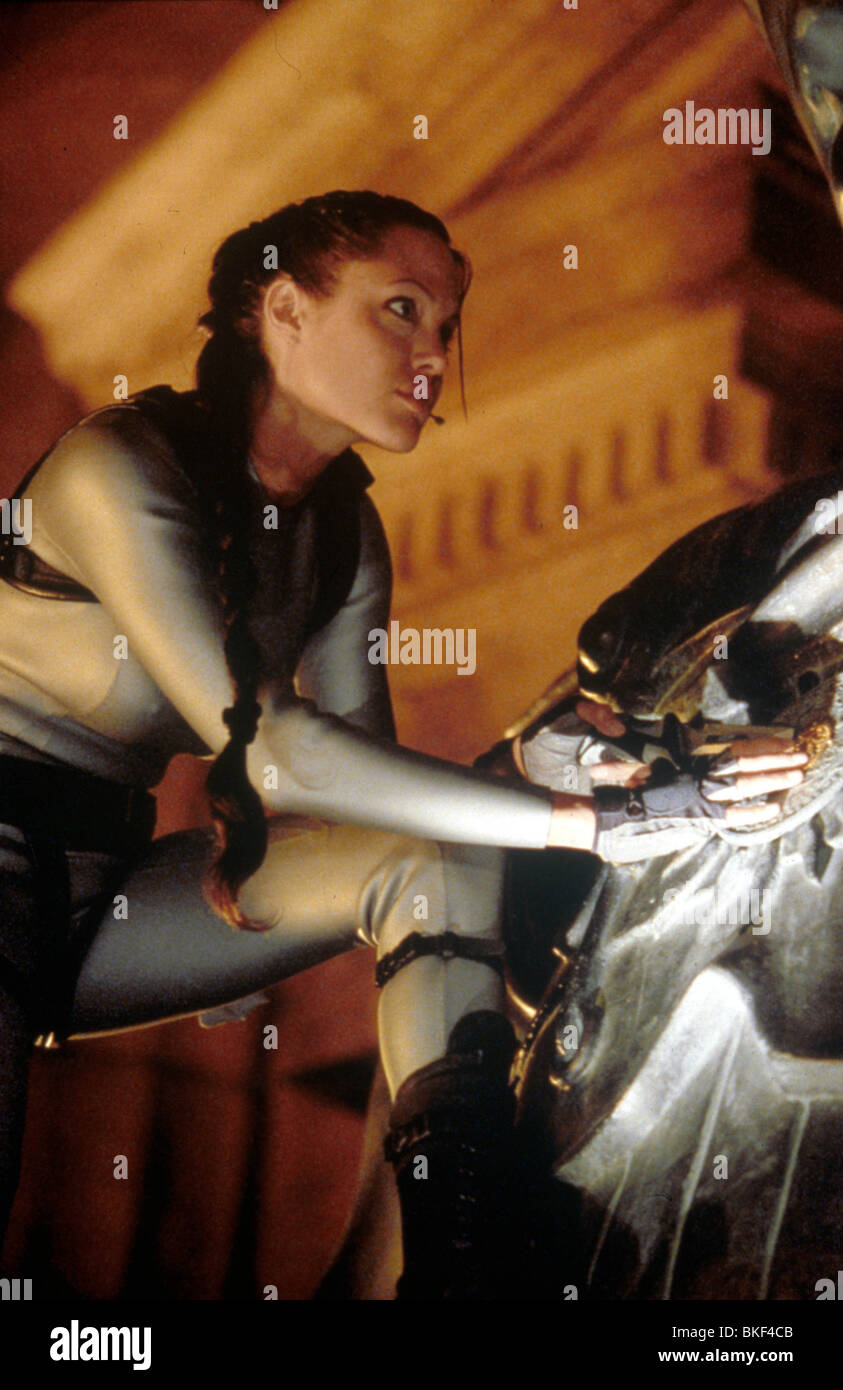 Lara Croft Tomb Raider The Cradle Of Life 2003 Angelina Jolie Tmb2 Stock Photo Alamy