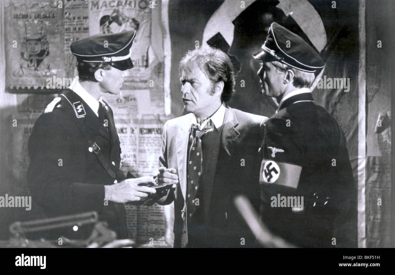 TWILIGHT ZONE: THE MOVIE (1983) REMUS PEETS, VIC MORROW, KAI WULFF TWZO 002P - Stock Image