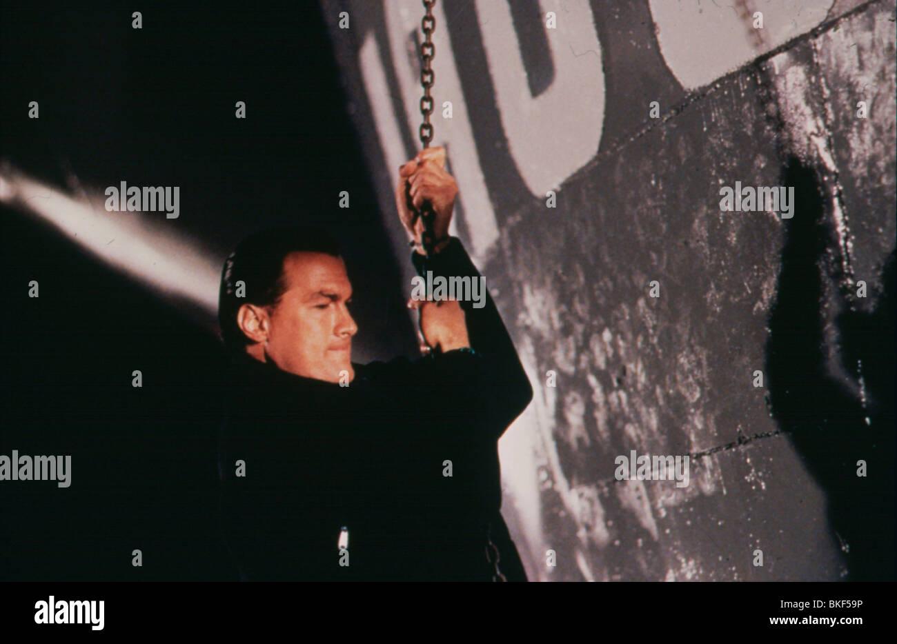 UNDER SIEGE (1992) STEVEN SEAGAL UNSG 017 - Stock Image
