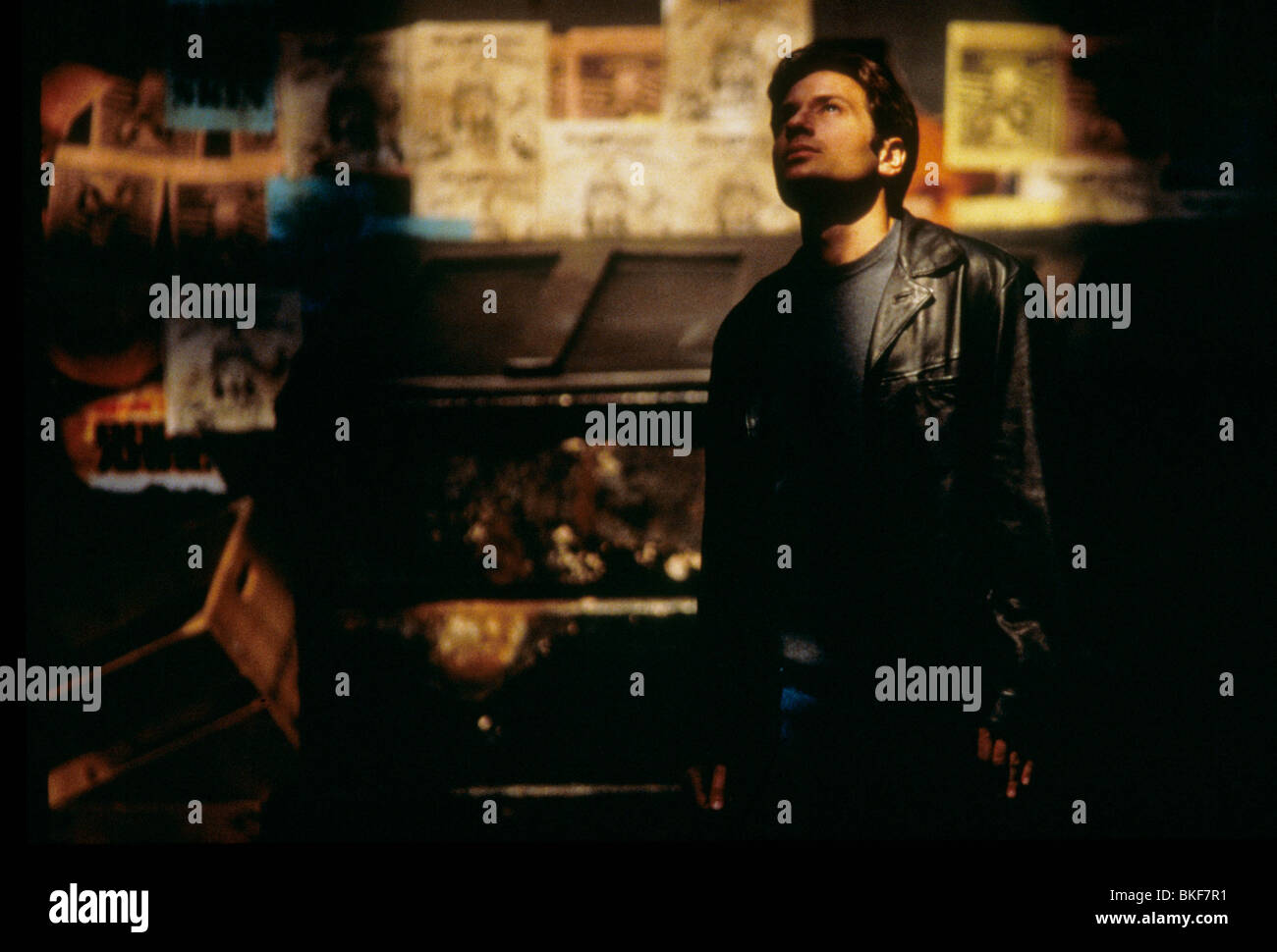 X-FILES: THE MOVIE (1998) DAVID DUCHOVNY XFM 115 Stock Photo