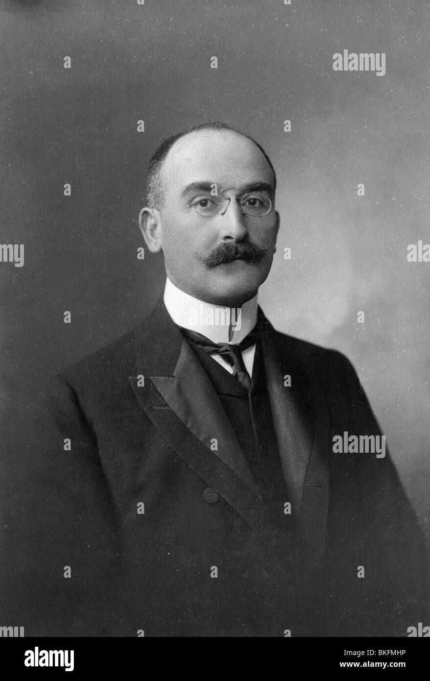 people, men, portrait / half length 1900s, man with moustache, Vienna, circa 1900, Additional-Rights-Clearances - Stock Image