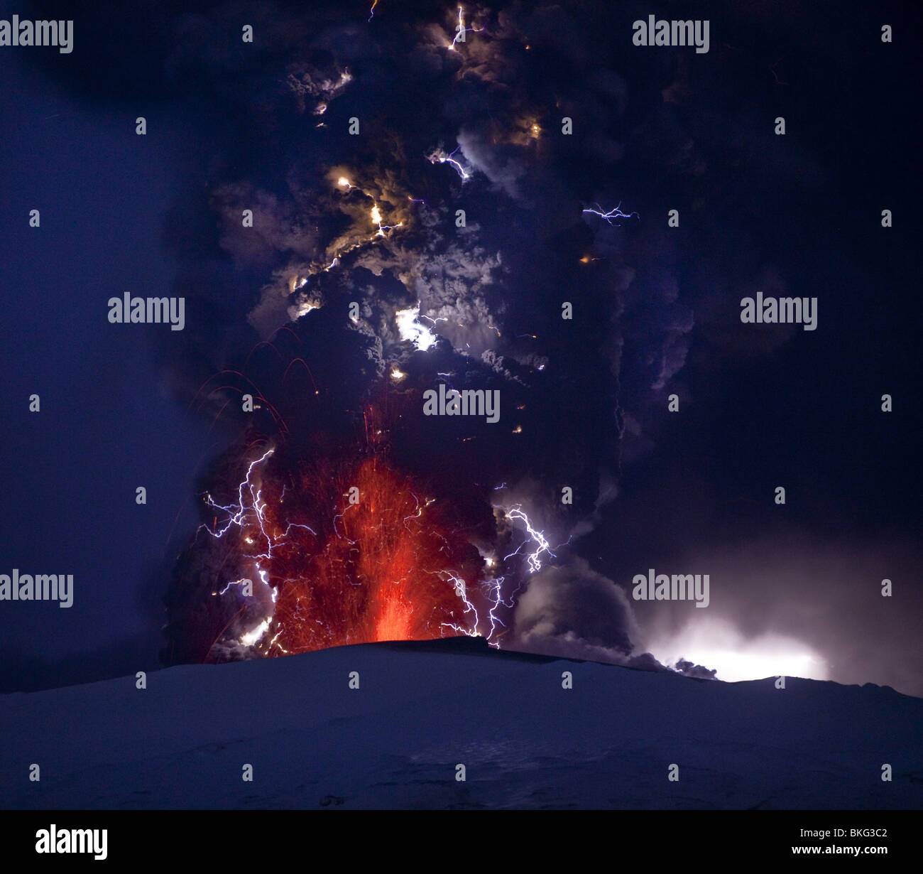 Lightning  and Lava in ash cloud during Eyjafjallajokull Volcanic Eruption, Iceland April 18, 2010 - Stock Image
