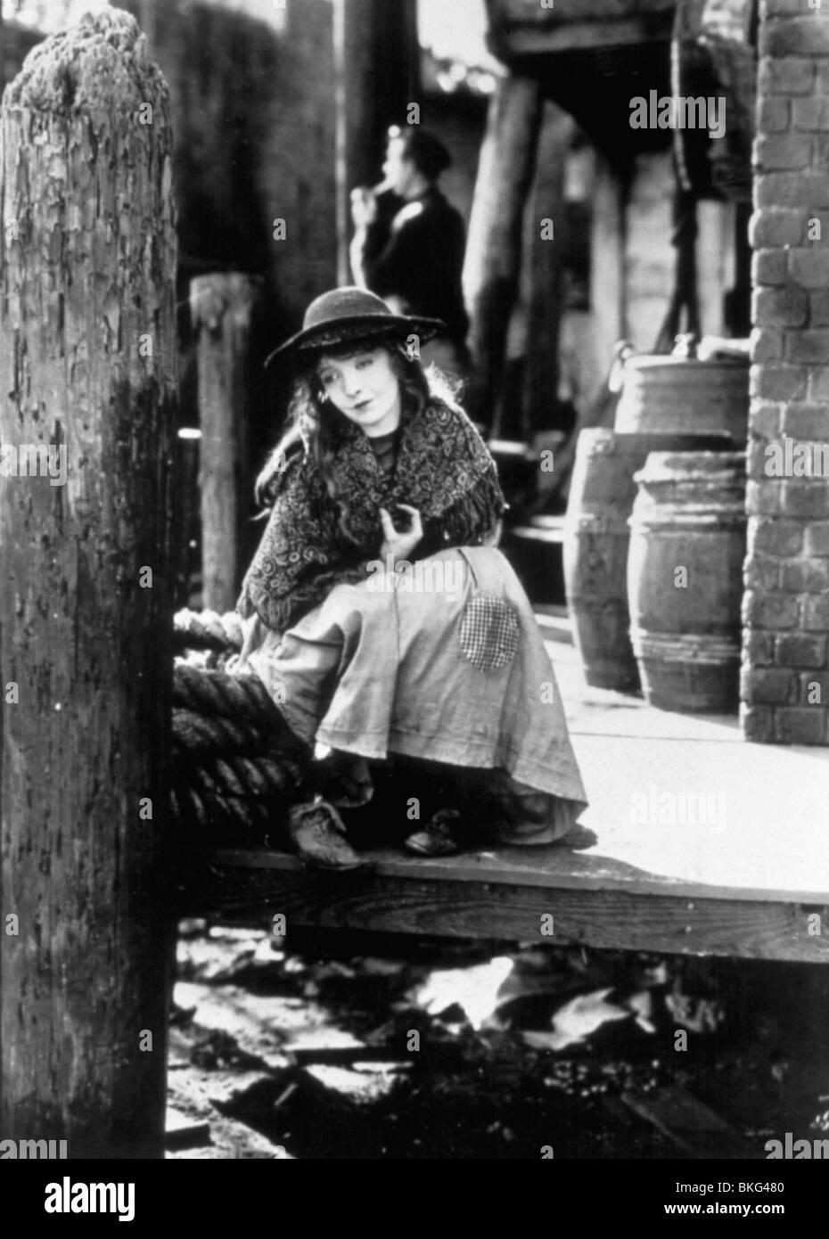BROKEN BLOSSOMS (1919) LILLIAN GISH BKBL 001 - Stock Image