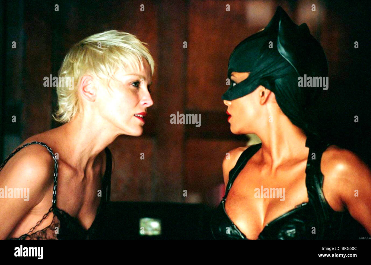 Catwoman 2004 Sharon Stone Halle Berry Cwmn 002 007 Stock