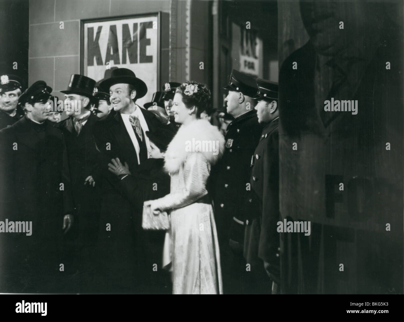 an analysis of citizen kane a movie by orson welles Welles would go on to reward their faith with some of the most innovative directing of his time and a movie that routinely gets the gold star for best movie ever made citizen kane was the only film where welles had total creative control.