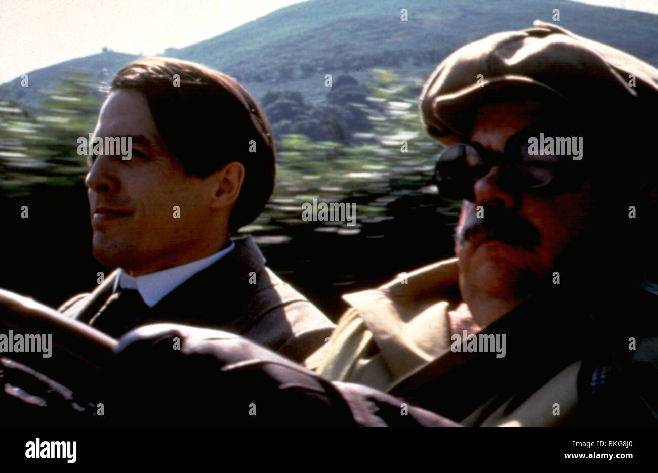 THE ENGLISHMAN WHO WENT UP A HILL BUT CAME DOWN A MOUNTAIN (1995) HUGH GRANT, IAN MCNEICE ENGL 063 - Stock Image