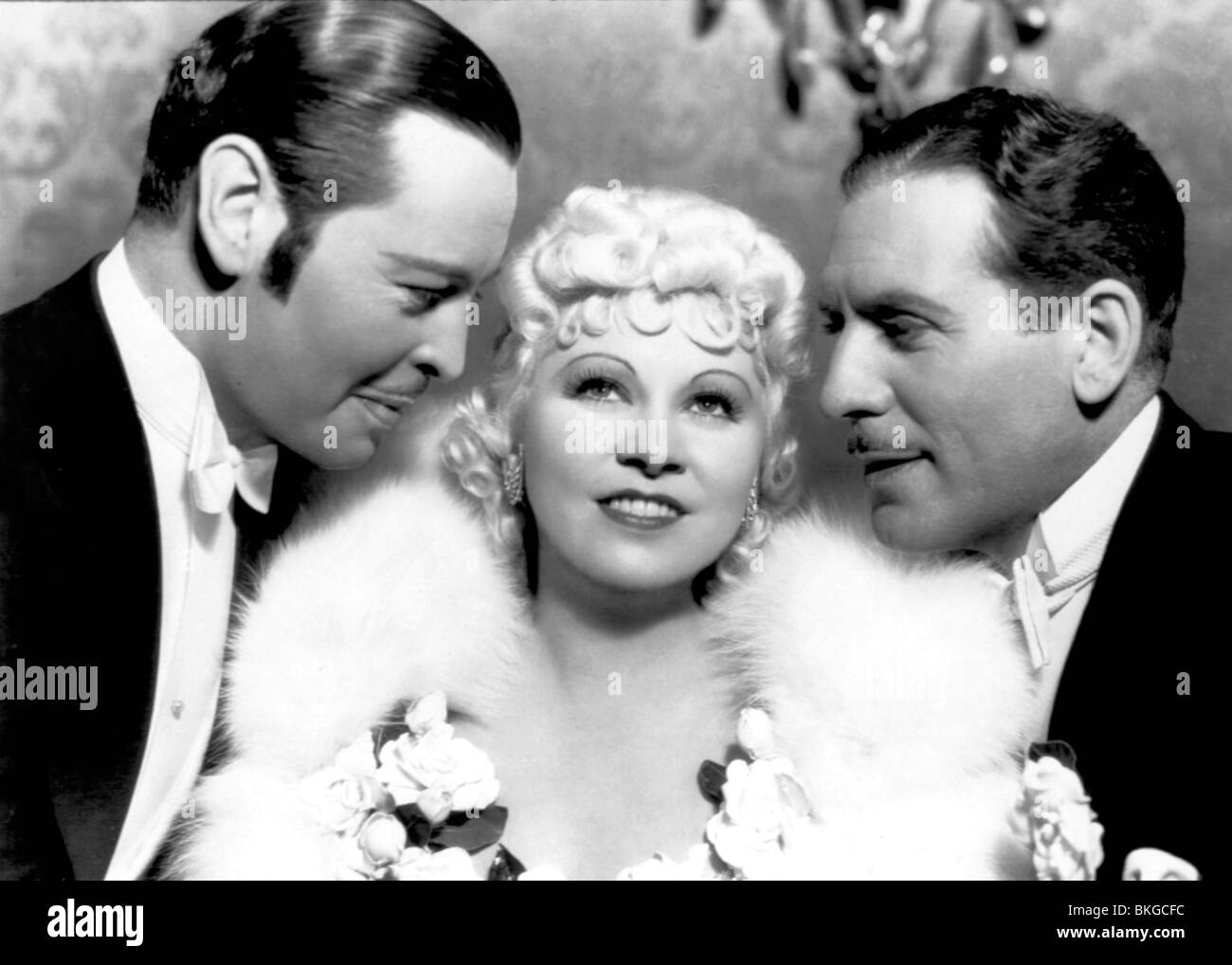 GOIN' TO TOWN (1935) MONROE OWSLEY, MAE WEST, PAUL CAVANAGH GTTW 002 - Stock Image
