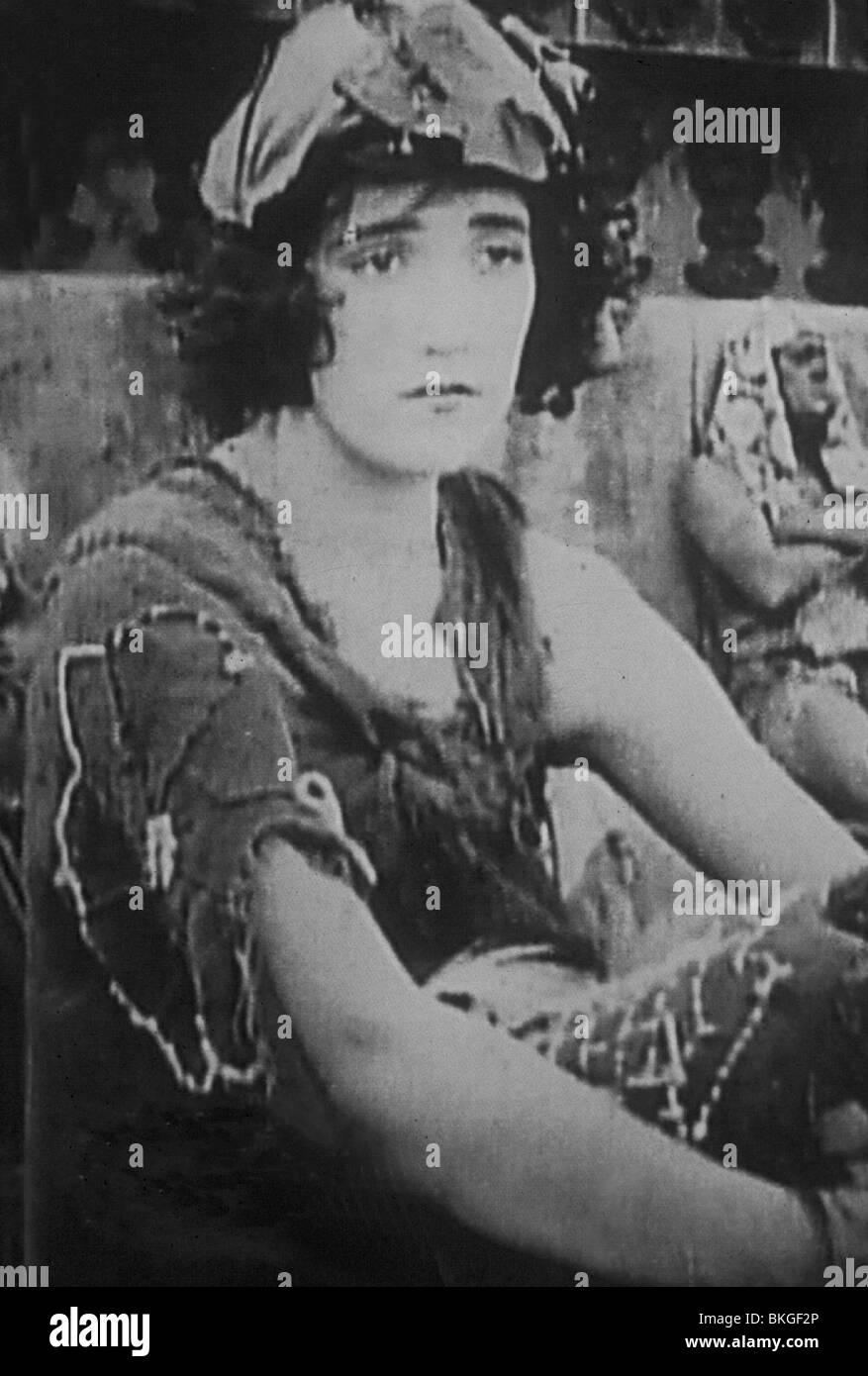 INTOLERANCE (1916) CONSTANCE TALMADGE ITLE 013 - Stock Image