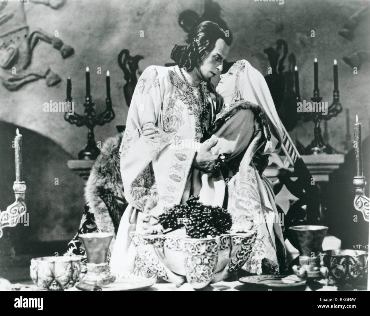 IVAN GROZNI (1942) IVAN THE TERRIBLE (ALT) NIKOLAI CHERKASOV, LYUDMILA TSELIKOVSKAYA IVTB 001P - Stock Image