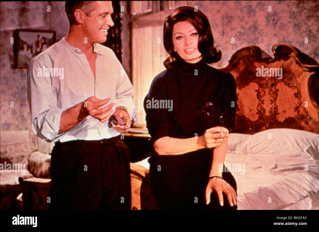 OPERATION CROSSBOW (1965) THE GREAT SPY MISSION (ALT) GEORGE PEPPARD, SOPHIA LOREN OPC 005 - Stock Image