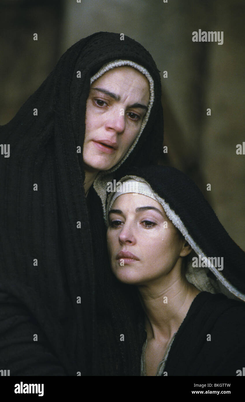 THE PASSION OF THE CHRIST (2004) MAIA MORGENSTERN, MONICA BELLUCCI PASC 001-14 - Stock Image