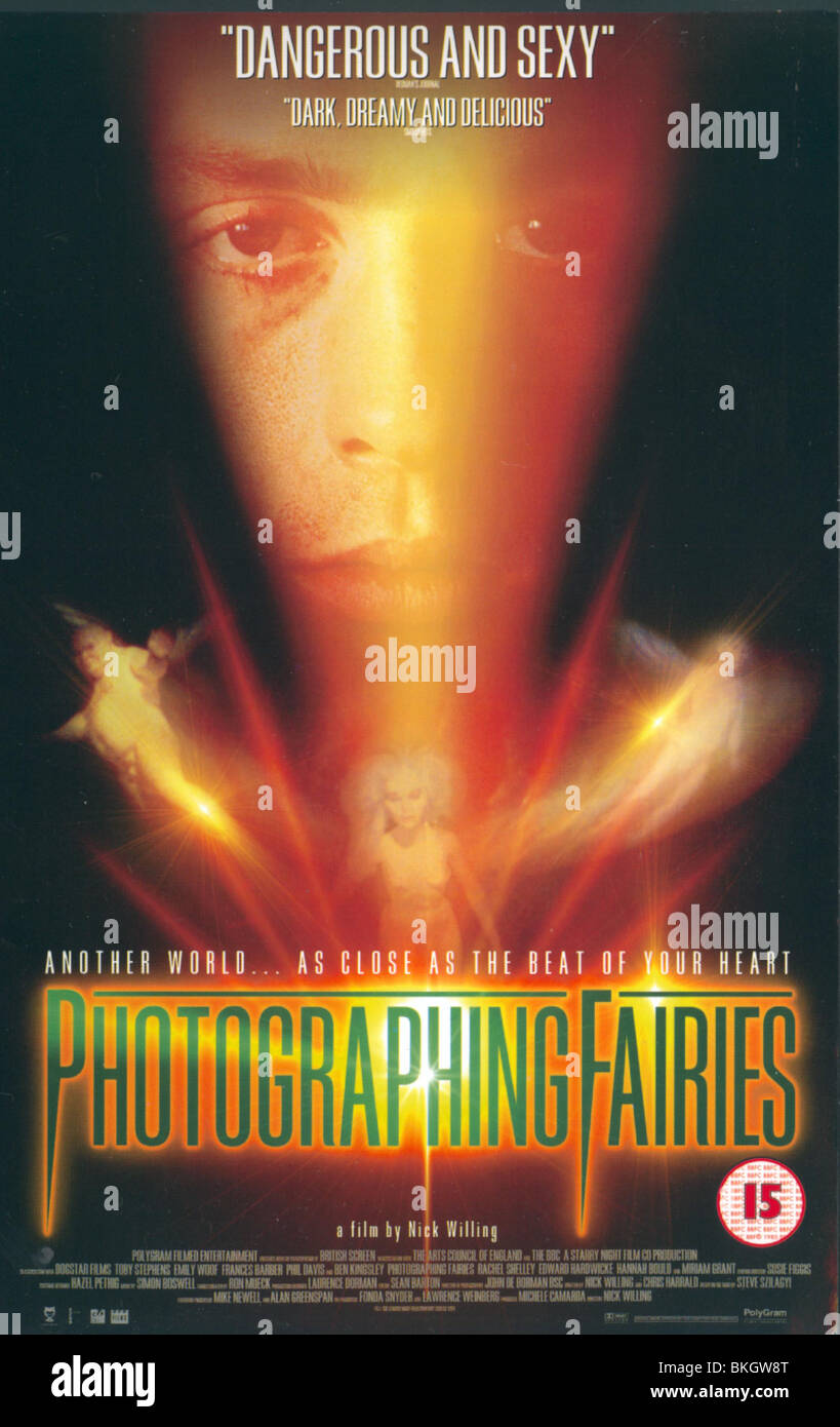 PHOTOGRAPHING FAIRIES (1997) POSTER PHF 001VS - Stock Image