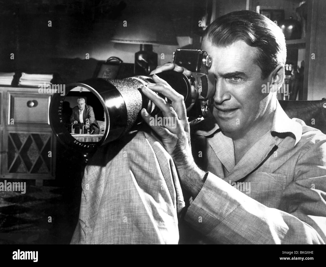 REAR WINDOW -1954 JAMES STEWART - Stock Image