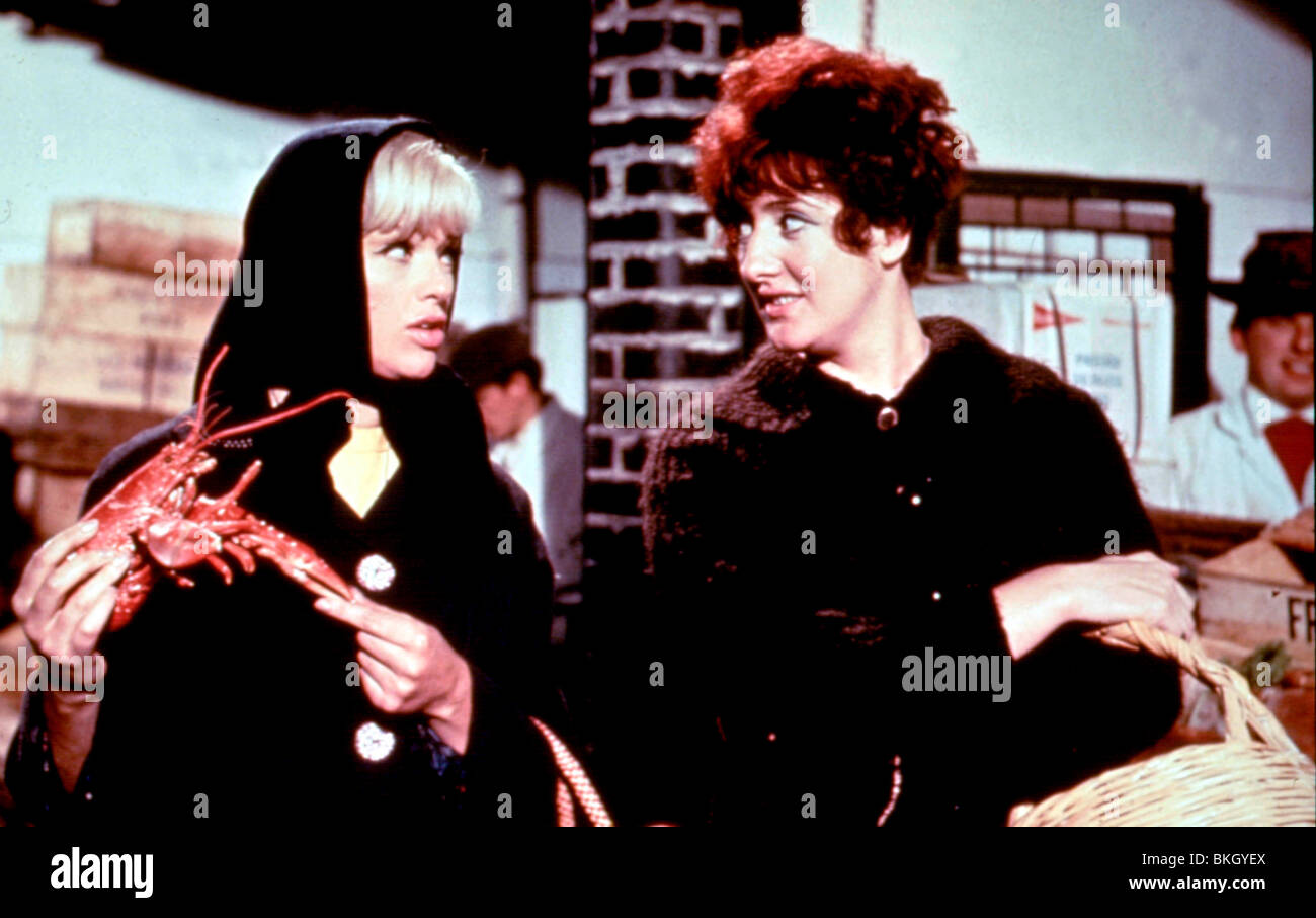 THE SANDWICH MAN (1966) DIANA DORS, LIZ FRAZER SWHM 001 - Stock Image