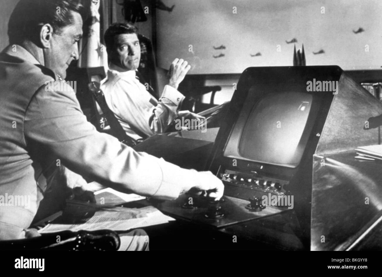 SEVEN DAYS IN MAY (1964) 7 DAYS IN MAY (ALT) KIRK DOUGLAS, BURT LANCASTER SDMY 005 - Stock Image