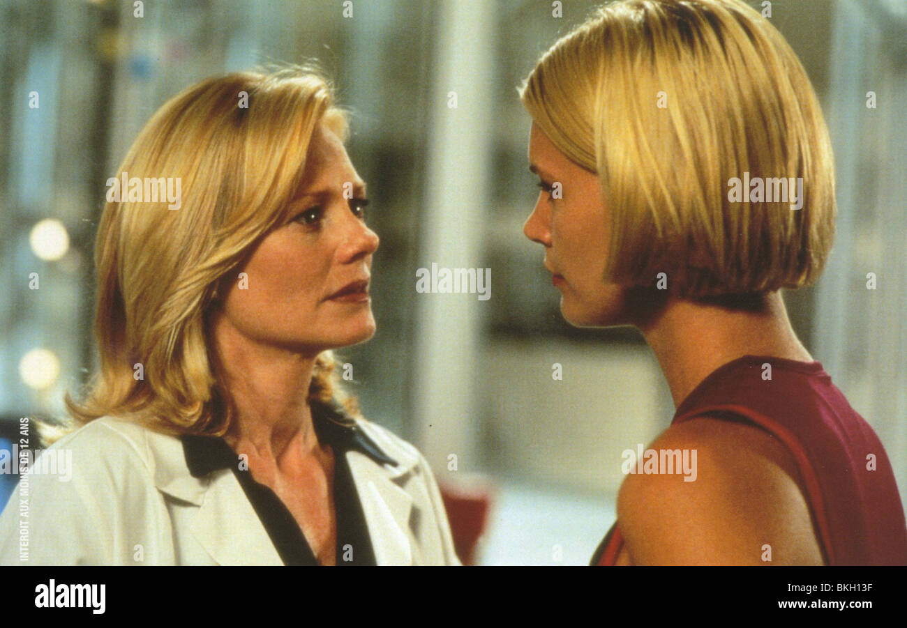 SPECIES II (1998) SPECIES 2 (ALT) MARG HELGENBERGER, NATASHA HENSTRIDGE SPE2 001FOH Stock Photo