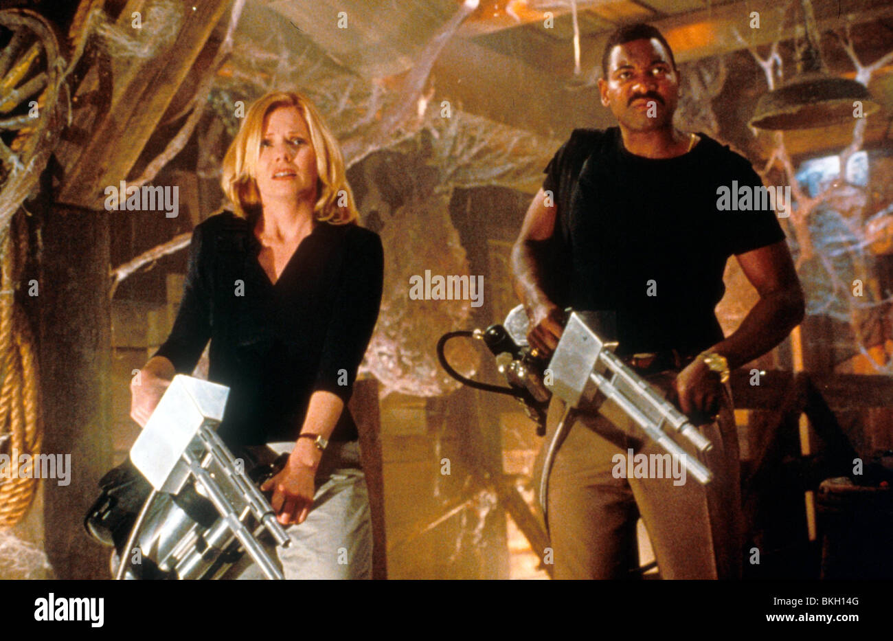 SPECIES II (1998) SPECIES 2 (ALT) MARG HELGENBERGER, MYKELTI WILLIAMSON SPE2 037 - Stock Image