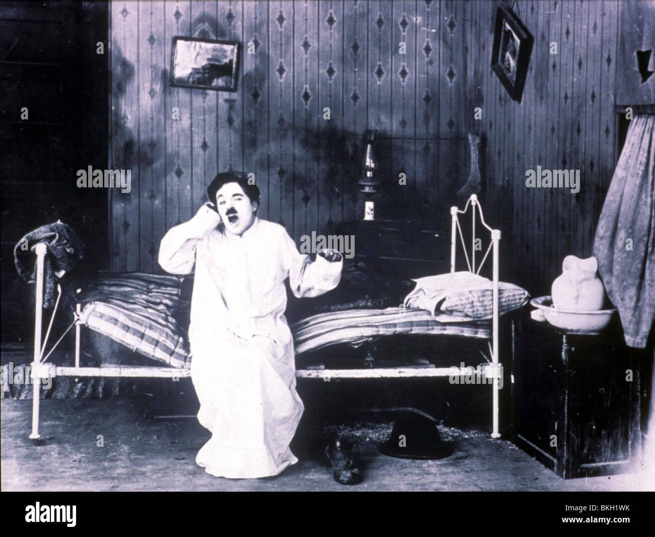 SUNNYSIDE (1919) CHARLIE CHAPLIN SNNY 001 - Stock Image