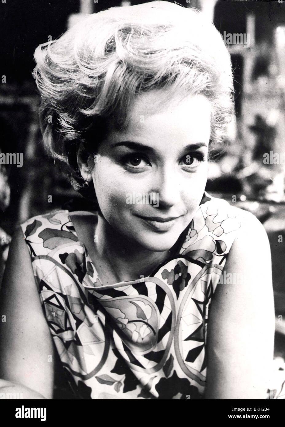 Sylvia Syms (born 1934)